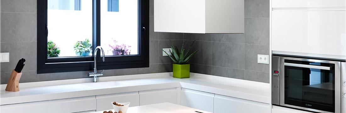 Cocina blanca con solid surface 11